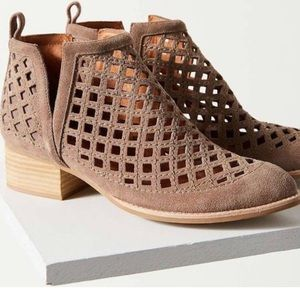 Jeffrey Campbell Taggart Suede Cutout bootie 8